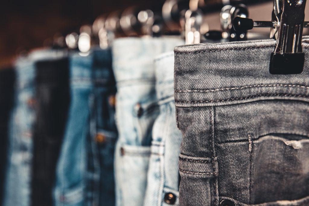 broeken in dressing